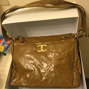 Chanel patent lamb skin shopper in good condition